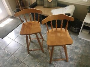 2 Solid Birch wood bar stools