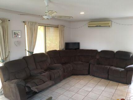7 Seat Lounge Suite