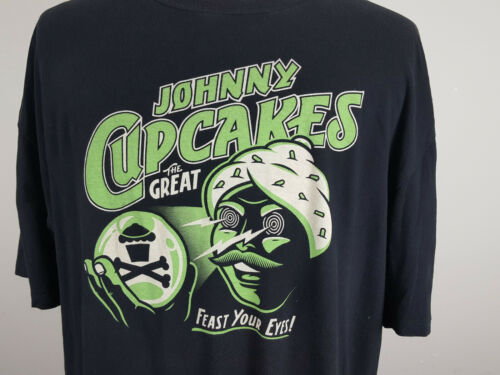 """The Great Johnny Cupcakes """"Feast Your Eyes"""" Boston Brand Men"""