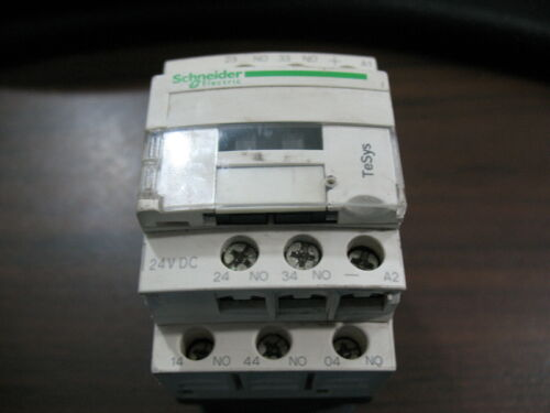 Schneider Electric CAD50 BD Control Relay With 24 VDC Volt Coil