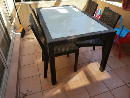 Table - Outdoor - 6 seater