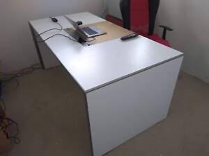 Buy Credenza Perth : Office desk and credenza desks gumtree australia south perth