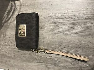 Michael Kors wristlet - authentic.