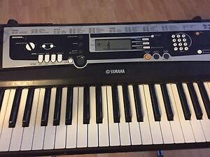 YAMAHA keyboard,stand & tool for sale