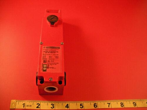 Telemecanique XCSLF3535313 Safety Interlock Limit Switch 941337 24v New Nnb