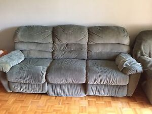 Sofa 3 places  inclinables et chaise Elran