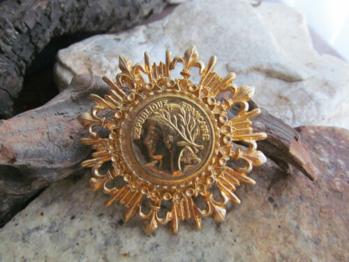 Vintage Gold tone REPUBLIQUE FRANCAISE Coin Starburst pin Brooch