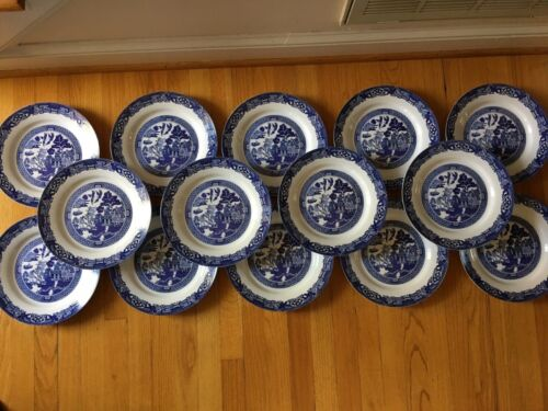 Set of 14 - Royal Cuthbertson Blue Willow Dinner Plates