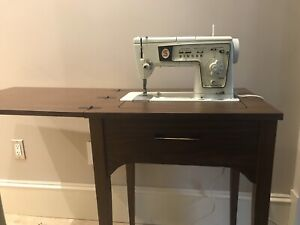 Singer Sewing Machine Model 478 with Table