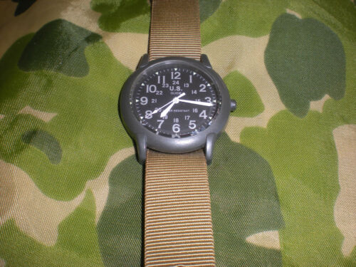 Vietnam G.I. REPRODUCTION OLIVE GREEN WRIST WATCH QUARTZ, USED, WORKS GREAT
