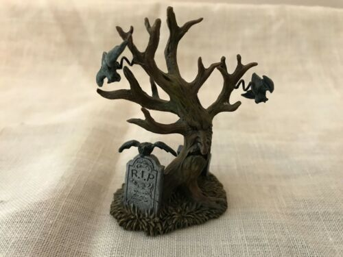 Hawthorne Village The Haunting Tree Figure Only 2003