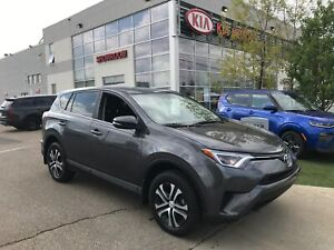 2016 Toyota RAV4 LE | ALL WHEEL DRIVE | BLUETOOTH |