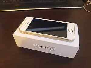 Iphone 5s $300 St Johns Park Fairfield Area Preview