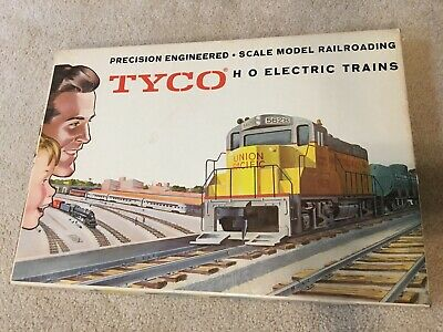 Train Set Santa - Tyco HO Transcontinental Train Set Santa Fe Lighted F9 Diesel, Cars, Track, Box