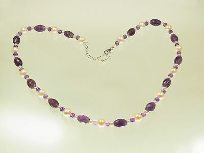 Schöne Amethyst Perlkette Süsswasserperlen mit 925 Silberschloß 52 cm lang