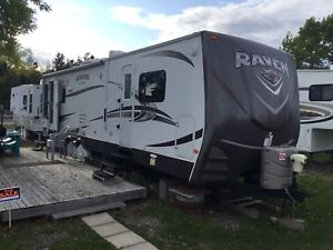 2012 Raven by Winnebago 31ft