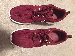 Nike Roshe Size 8.5
