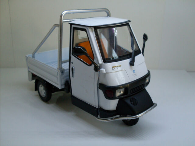 Vespa Piaggio Ape 50 weiß, NewRay Roller, Motorrad Modell 1:18