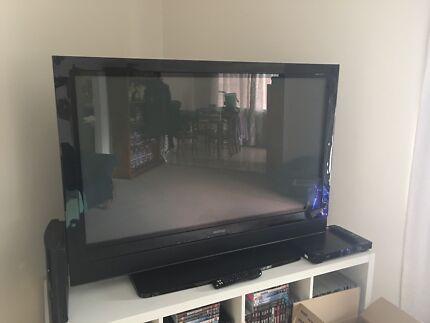 Soniq Plasma TV 50 inches. $150.