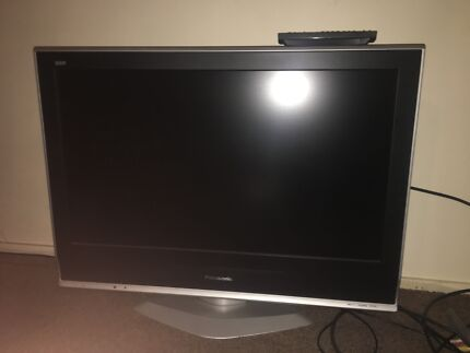 Widescreen Panasonic TV 32 inch