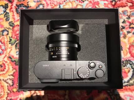 Leica Q Shutter count less than100