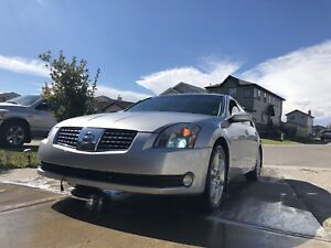 2004 Nissan Maxima 6 Speed Winter Tires Heated Everything!