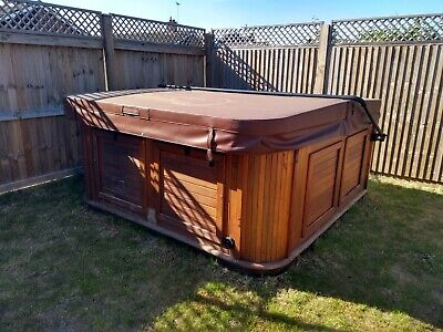 Arctic Spa Frontier hot tub 5 person /hottub/hottubs/hot tubs/pre owned/used