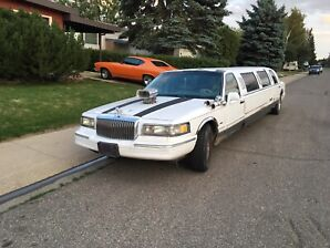 1995 Lincoln town car full stretch limousine