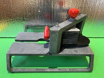Lincoln Redco Instaslice With 14 Scalloped Cut Tomato Slicer Blade