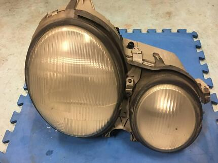 Mercedes E class w210 MY01 Right Headlight Eight Mile Plains Brisbane South West Preview
