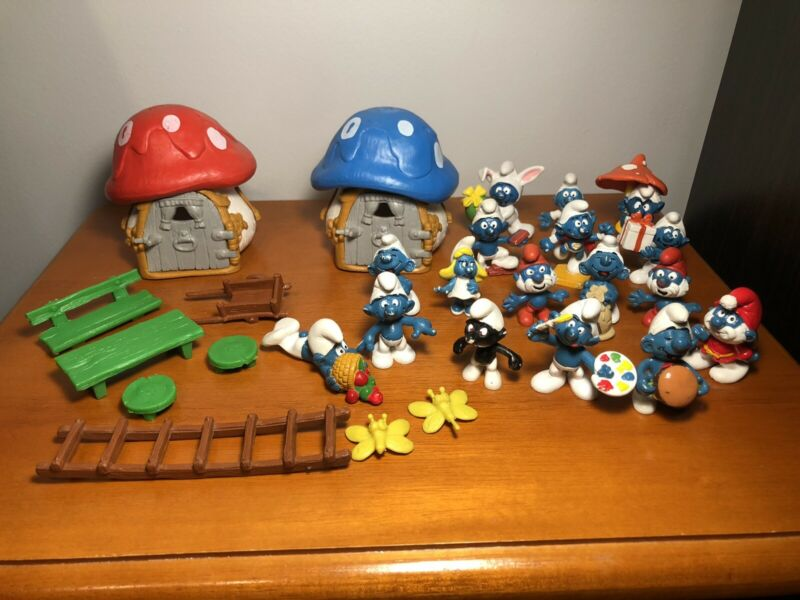 Vintage Lot of SMURFS Peyo/Schleich Figures From 80's