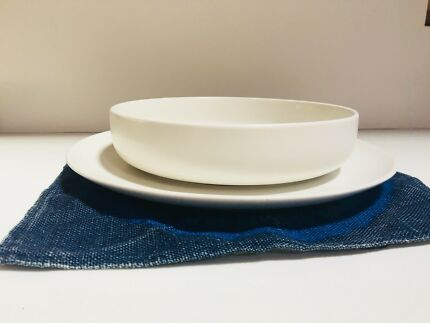 Country Road Plates and Bowls & Set of 6 Country Road Napkins | Dinnerware | Gumtree Australia Yarra ...