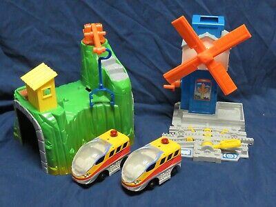 4 pc Fisher Price Geotrax Workin Town Railway Windmill Tunnel Train Cars  (Q42)