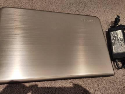 Toshiba 15.6 fullhd i7 4700qm3.4Ghz 8GB Geforce745M Backlit keyb