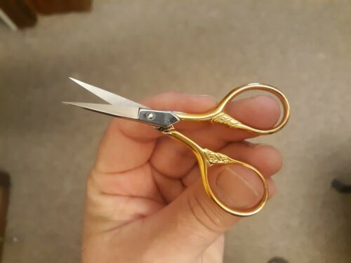 """Gingher 3 1/2"""" Lions Tail Embroidery Scissors"""