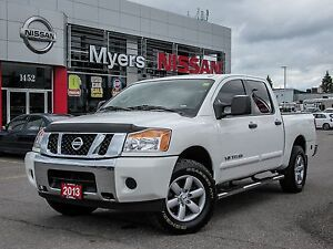 2013 Nissan Titan SV 4x4, V8 ENGINE,Tinted Windows