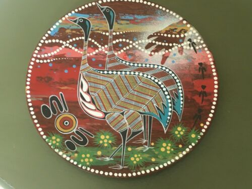 "WHITE OCHRE ART Plate - Australian Aboriginal ""Emu Hunt Dreaming"" Jarrah Timber"