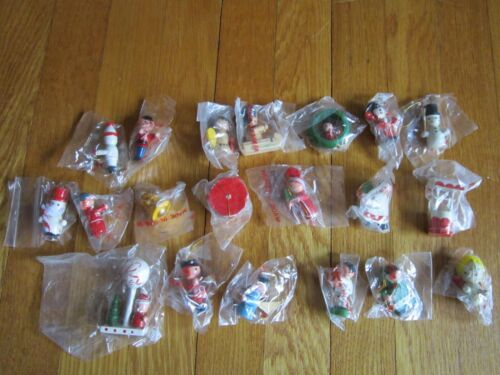 Vtg Wood Christmas Mini Ornaments LOT of 20 Gift Toppers, Favors ALL Different