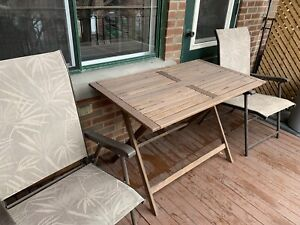 Ensemble de patio 1 table + 2 chaises
