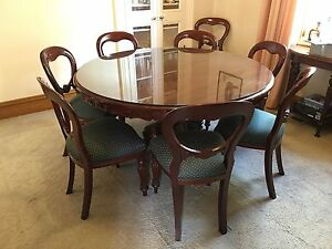 antique style mahogany dining table 8 balloon backed chairs hawthorn