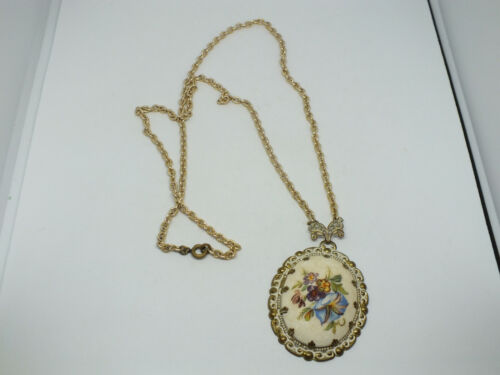 """Beautiful Necklace Gold Tone Floral Sugar Pendant Antiqued in White 24+2 1/2"""""""