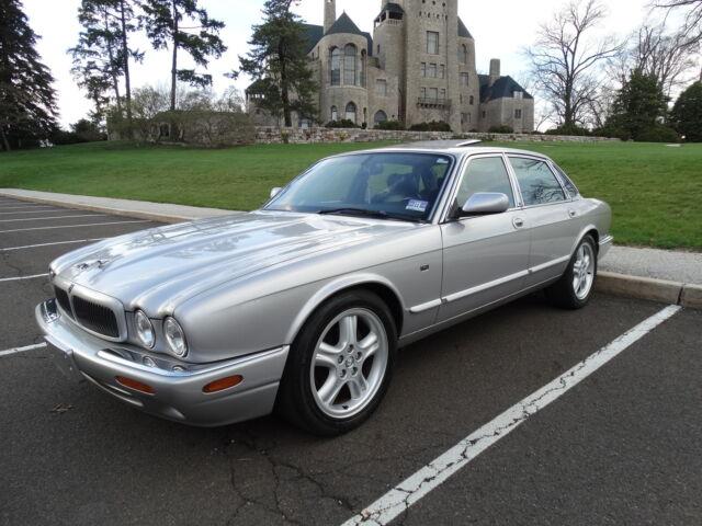 Imagen 1 de Jaguar XJ  silver