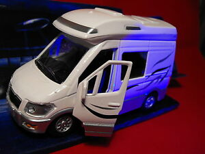 TOY MOTORHOME SOUND AND LIGHT MODEL MOTORHOME TOY DIECAST MODEL MOTOR HOME NEW