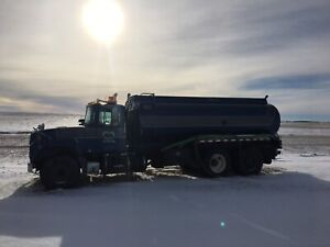 Tandem water truck for sale