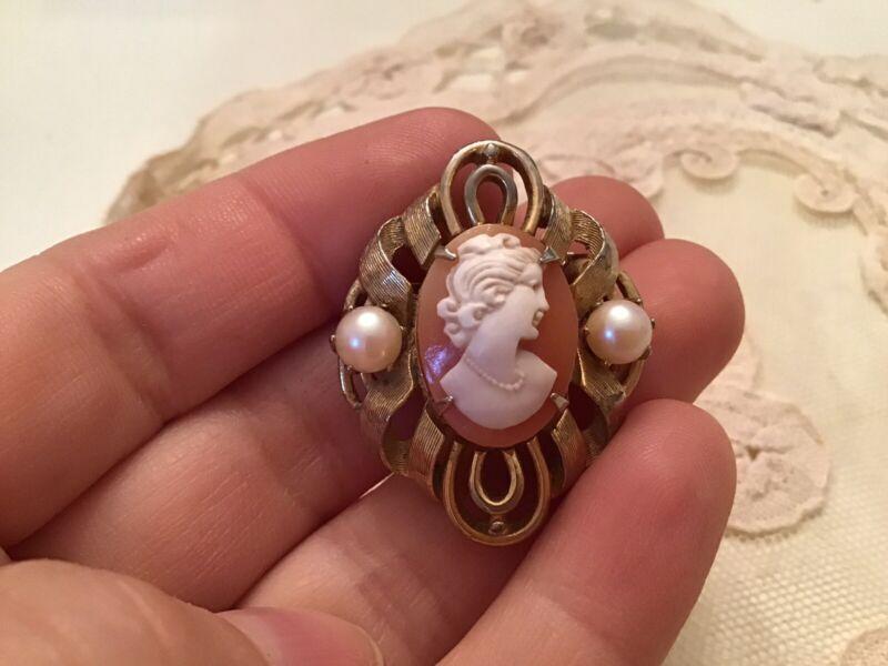 Vtg Cameo Pearl Small Pin Brooch