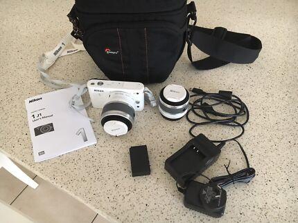Nikon J1 Bundle
