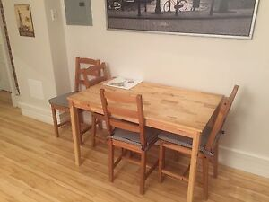 Great table and 4 chairs