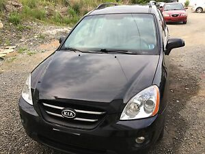 2009 Kia Rondo fully loaded , 7 Passengers