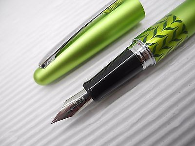 Green Pilot FP-MR3-MB Medium Fountain pen ink Converter w/ box free 2 cartridges