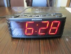 Sylvania Table Top Dual Alarm Clock AM/FM Radio 1.8 Jumbo Digits SCR1206